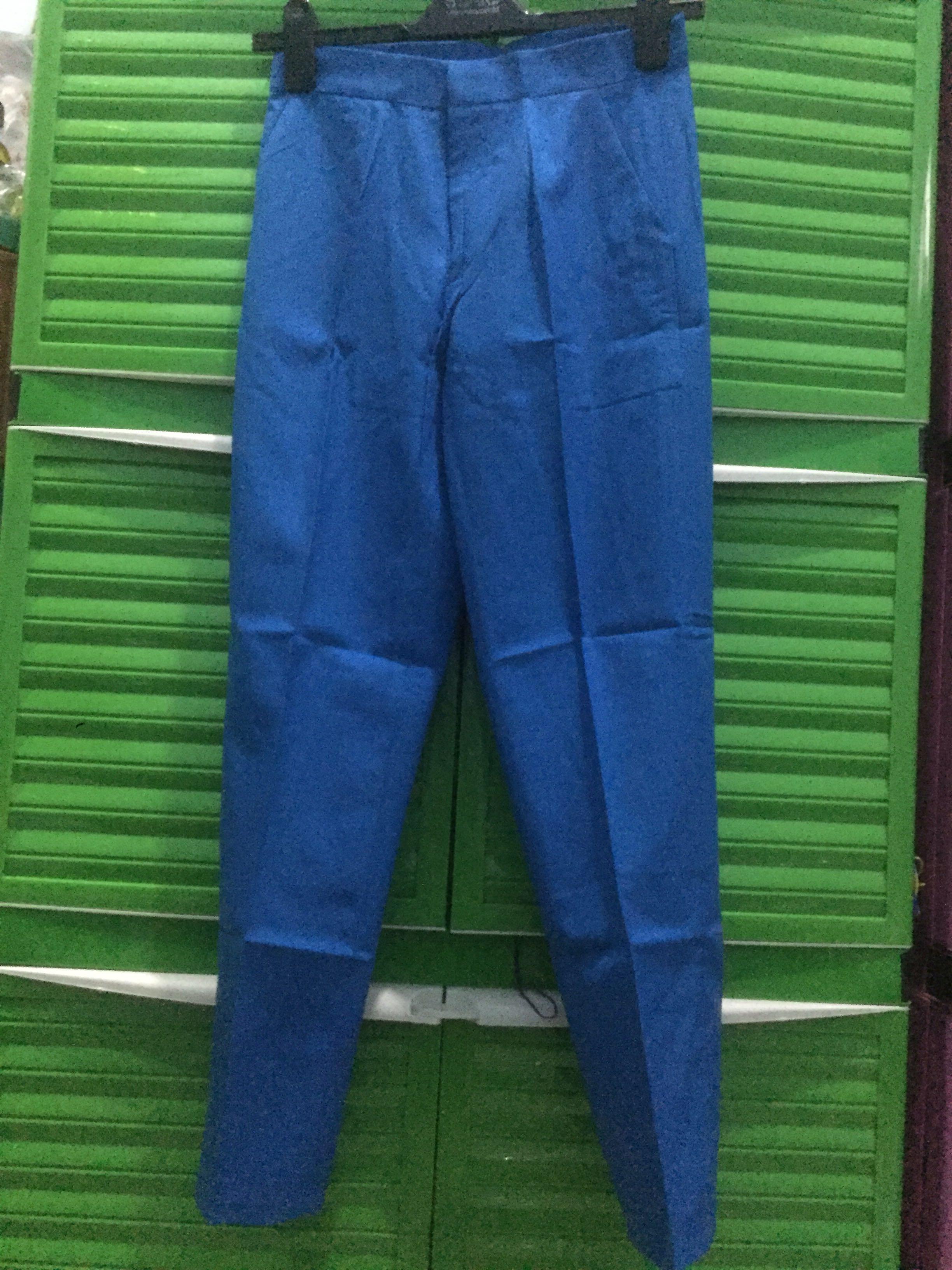 Celana panjang warna biru