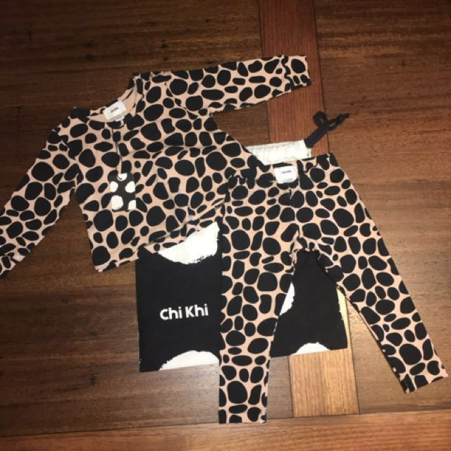 Chi Khi baby girls outfit size 000 (0-3months)