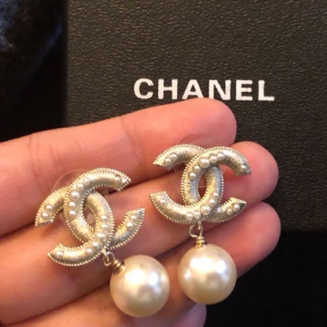 Coco Chanel pearl earrings (comes box)