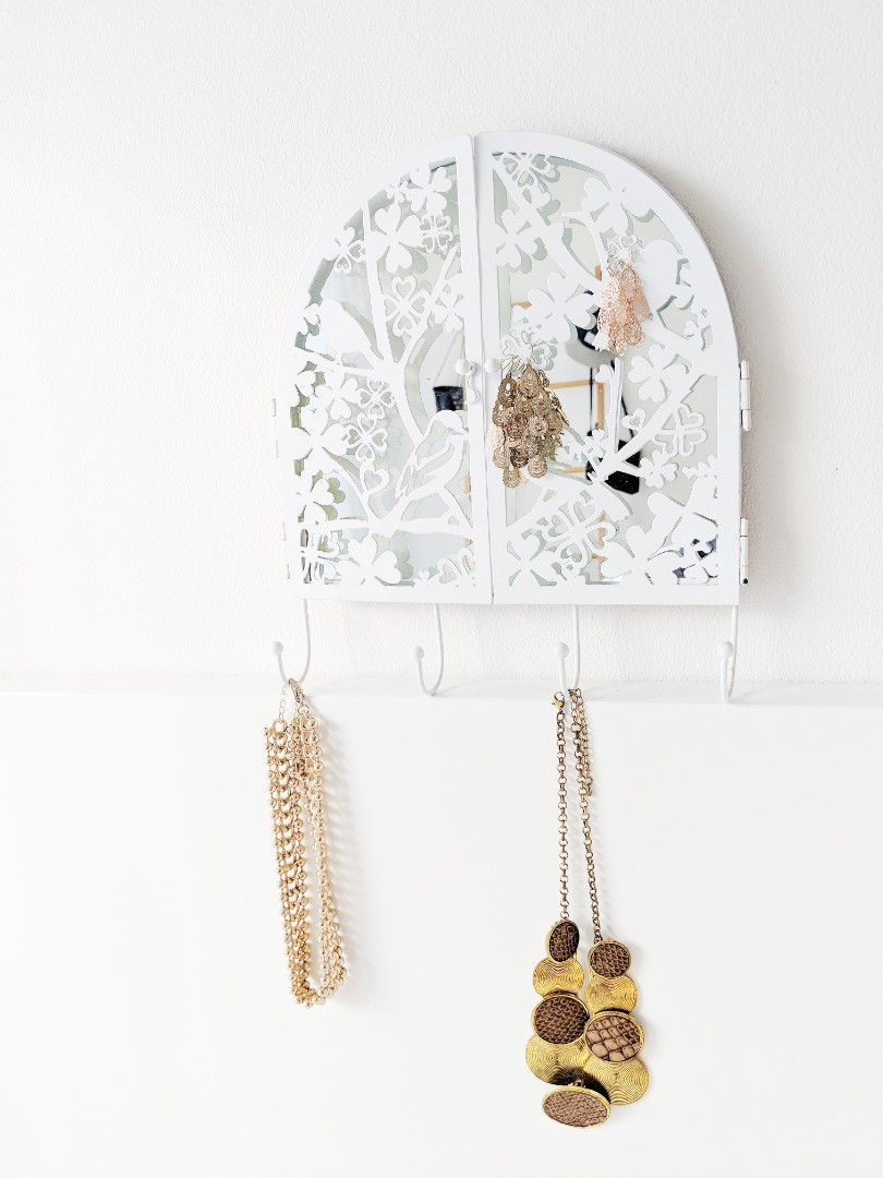 Hanging Decorative Jewelry Mirror Stand
