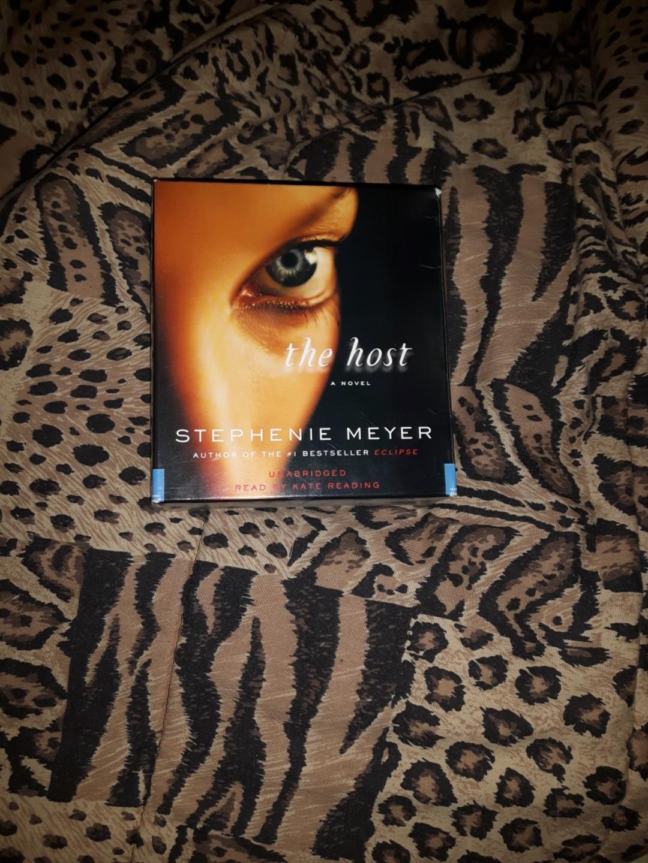 DVD book - new