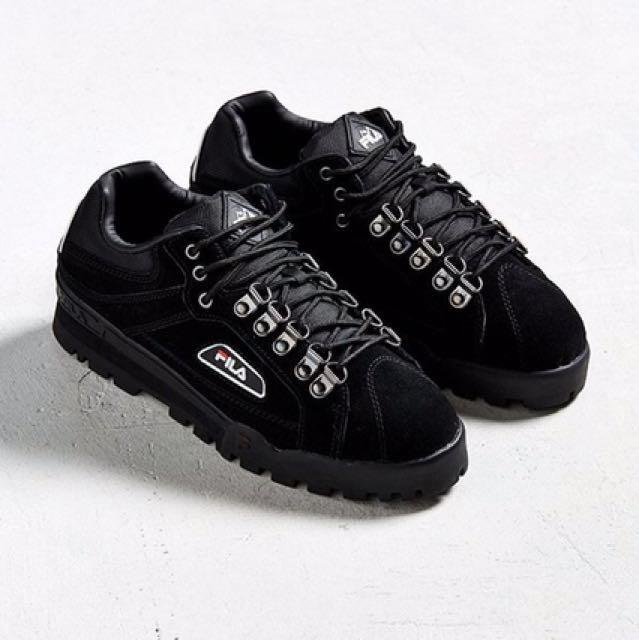 FILA Trailblazer Suede Sneaker SIZE 7
