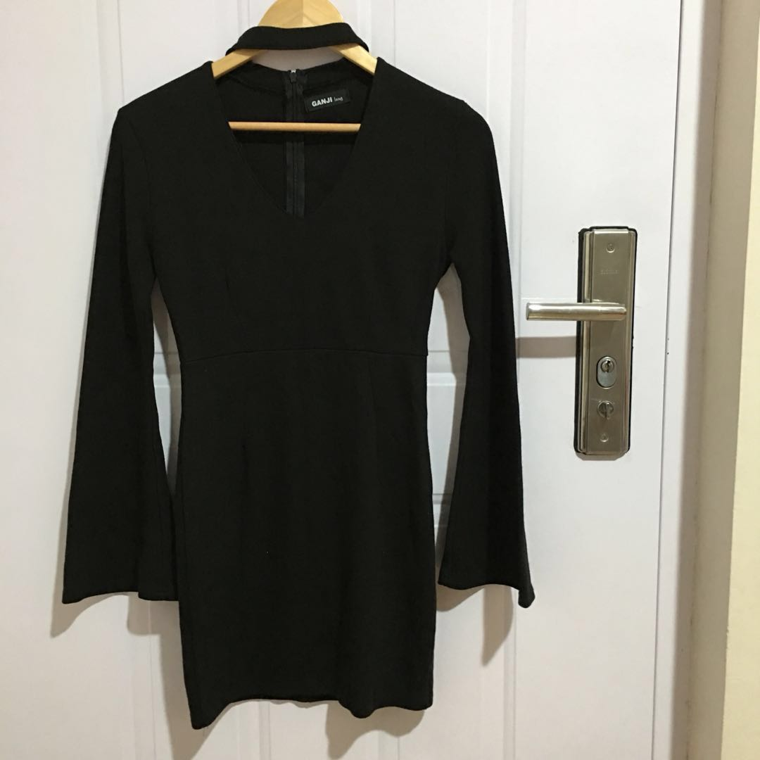 GANJI Lang Elegant Choker Black Dress