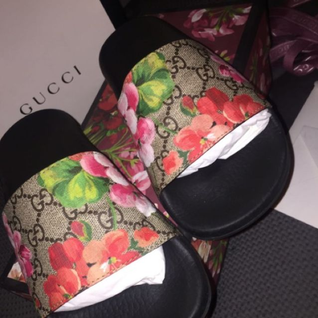 Gucci bloom slides
