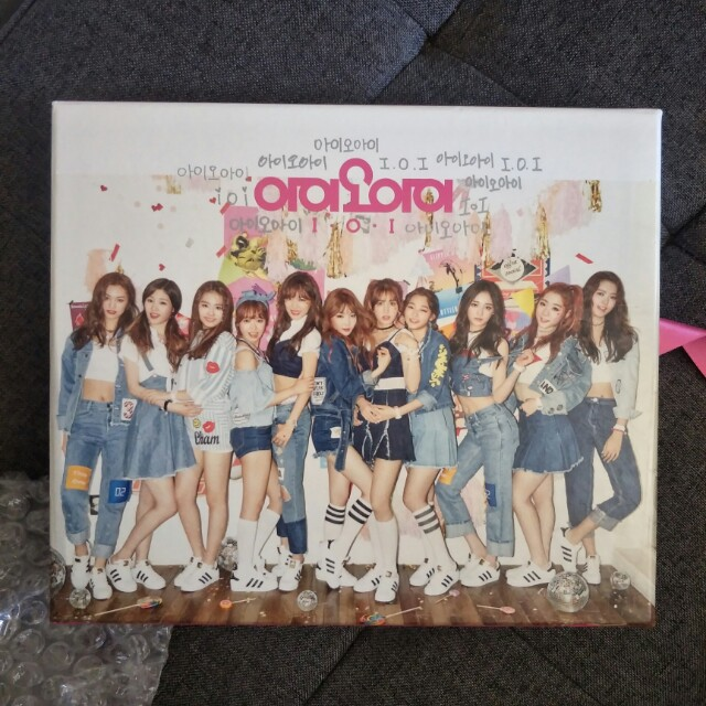 ioi special Limited Edition album with somi poster