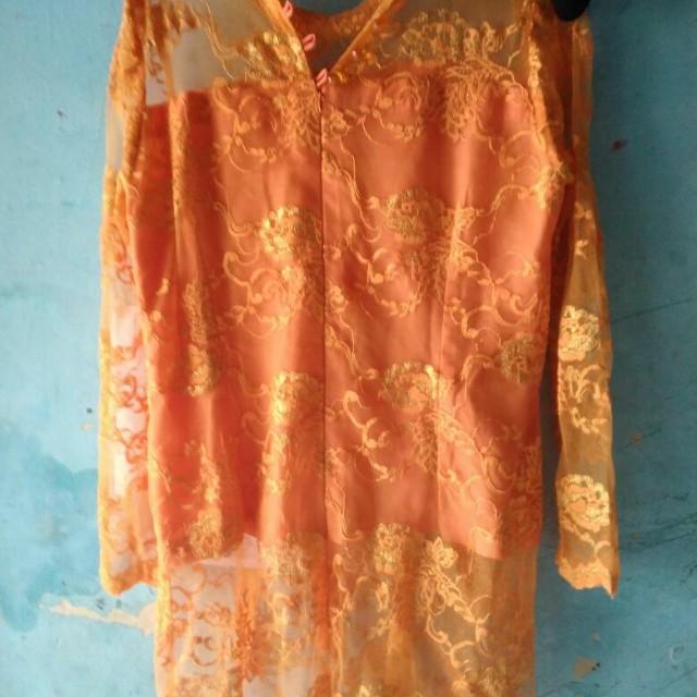 Kebaya orange fit to xl freeong jabodetabek