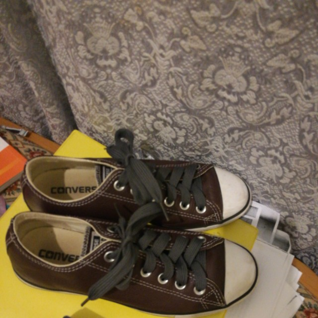 Leather Converse low cut