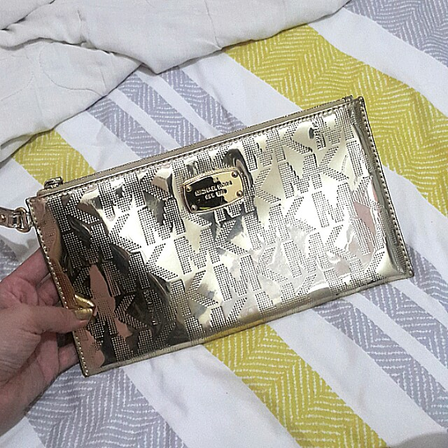 MICHAEL KORS GOLD CLUTCH AUTHENTIC
