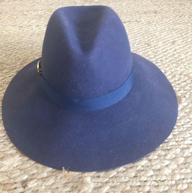 Navy mimco wool hat