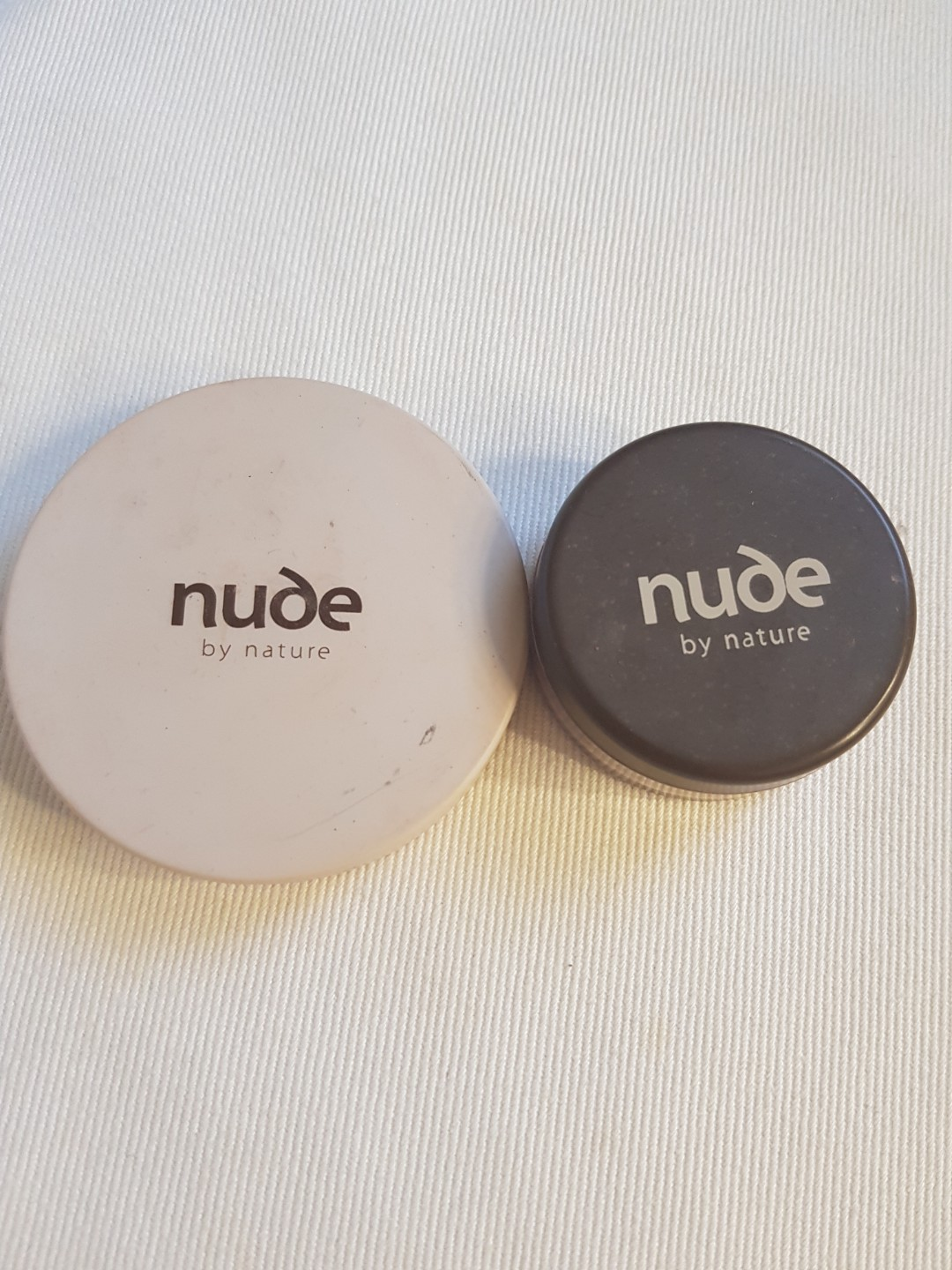 Nude mineral powder bronzer and finishing veil