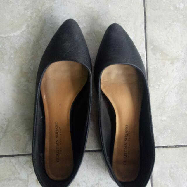 Sepatu Flat Payless Hitam