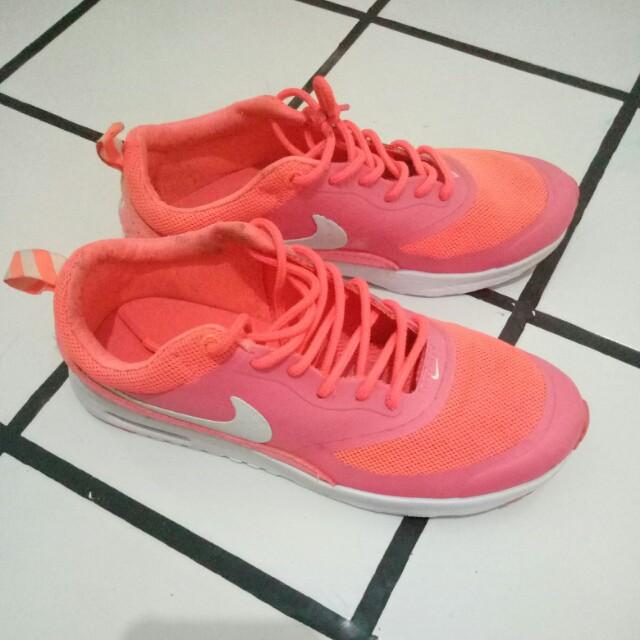 Sepatu Running Nike