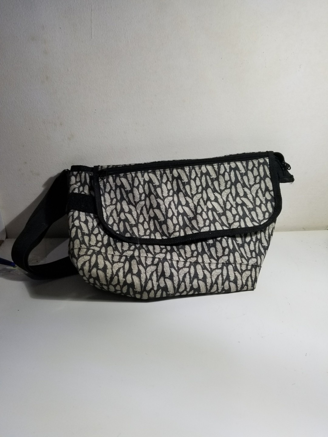 Sling bag local product