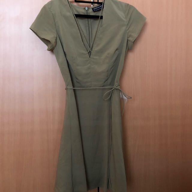 The fifth khaki dress
