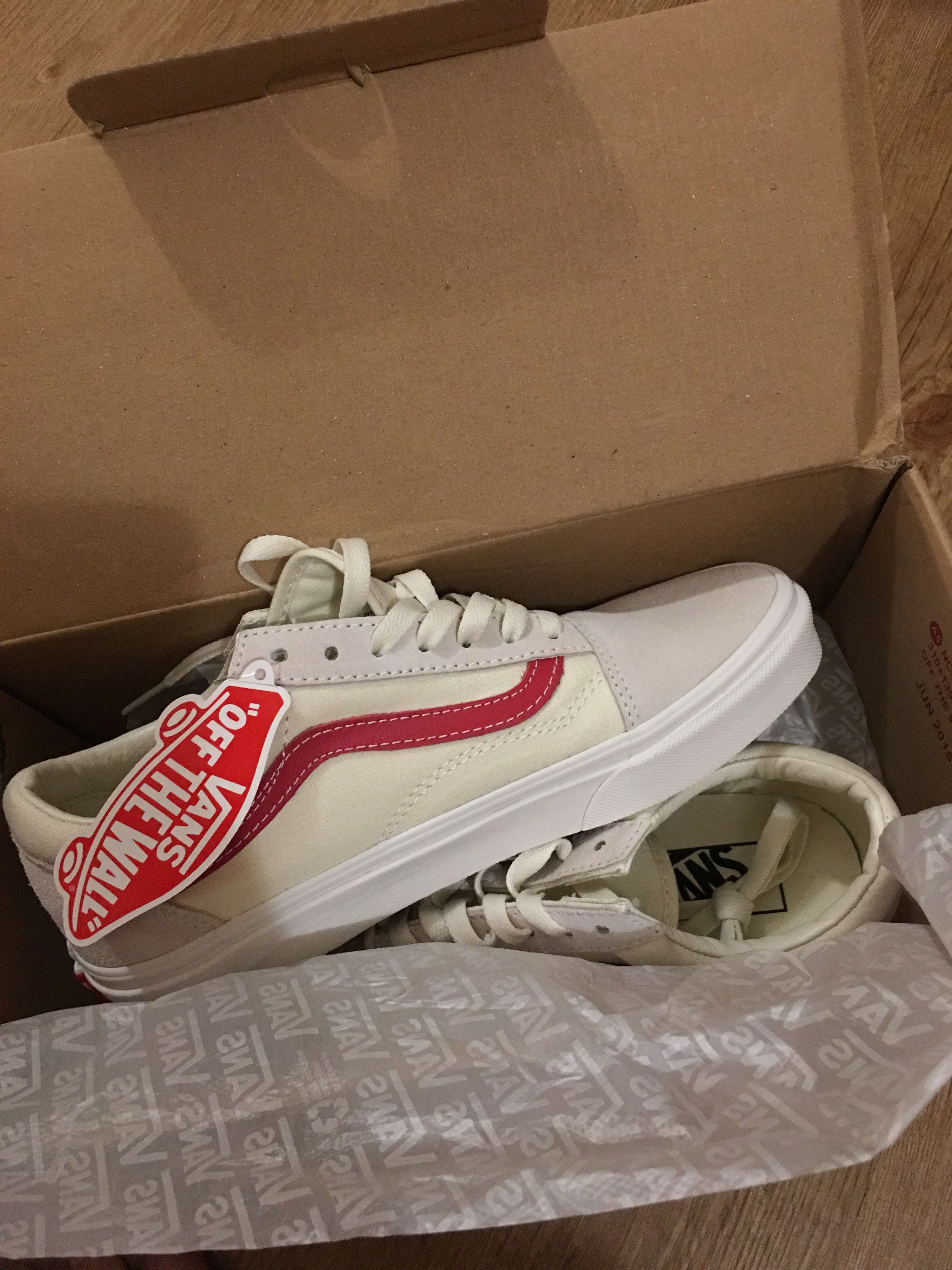 6d775f78ec Vans Old Skool Rococco Red   Vintage White Style 36 Marshmallow ...