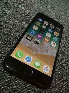 Im selling iphone 7 32gb matteblack FU. (Complete good as new )