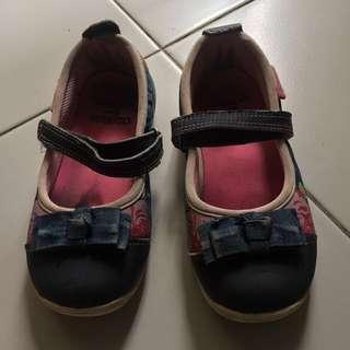 Oshkosh B'gosh Shoe Size 12/11UK