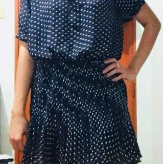 Printed dress for small to medium frames.