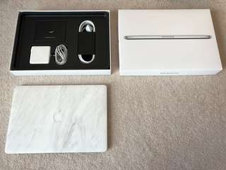 MacBook Pro Retina 2016, 15 inch, core i7, 16GB RAM, 256GB storage