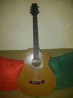 Yamaha Gitar Second