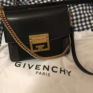 Givenchy Brand new 最新款GV3 mini size