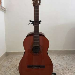 Classical Guitar (without stand)