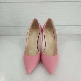 Pink Pointy Shoes
