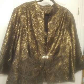Plus Size Ladies 2 pc Jacket/Tank Set. Size 22.