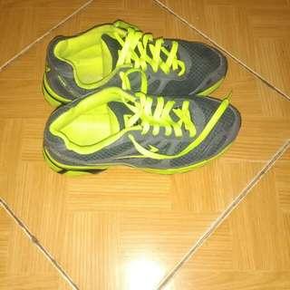 Sepatu Eagel size 38