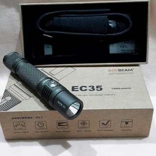 ACEBEAM  EC35 MAX 1200 LUMENS  COMPACT FLASHLIGHT (complete set )