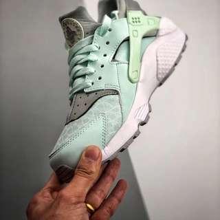 Nike Air Huarache Run Womens Igloo Wolf Grey 634835-303