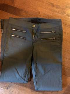 Guess skinny jeans size 27 us u worn