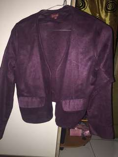 Blazer ungu cocok untuk kerja