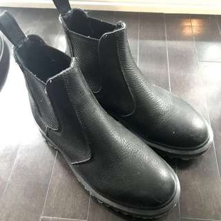 Dr Martens 2976 Black Leather Winter Boots Size 5