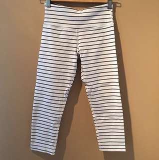 Lululemon Striped Cropped Leggings Size 4 White/Navy