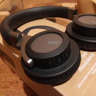 Flea Market Soniq Wireless Headphones