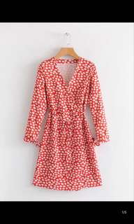 Europe and the United States new Slim was thin red cross v-neck rope strap floral long-sleeved dress