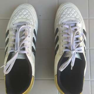 Adidas Football Shoes. Used but not abuse.