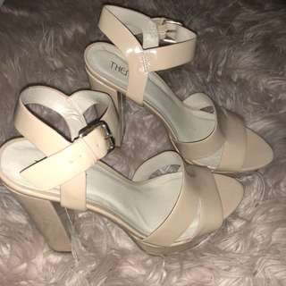THERAPY SHOES — Nude Platform Heel