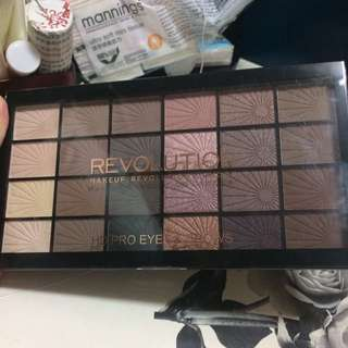 Makeup Revolution HD Ro Eyes & Brows Palette 眼影及眉粉盤(24color 色)