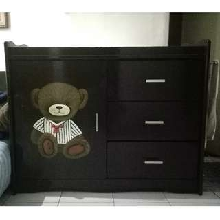 Cabinet/lemari/changing table/baby tafel