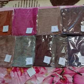Knitted instant shawl