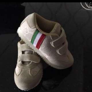 Gucci shoes size 17 cm