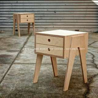 meja kecil / table bedside / table cabinet