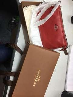 全新 COACH 紅色19cm clutch bag
