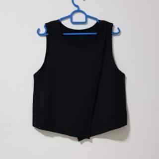 ✨ Black Sleeveless Foldover Top