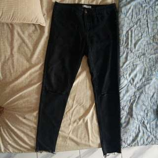 Pull & Bear Ripped Jeans XL