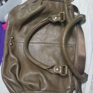 Leather sling bag brown