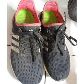 H04 Sepatu adidas Ultra Boost