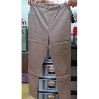 H04 Celana Panjang Coklat Tua